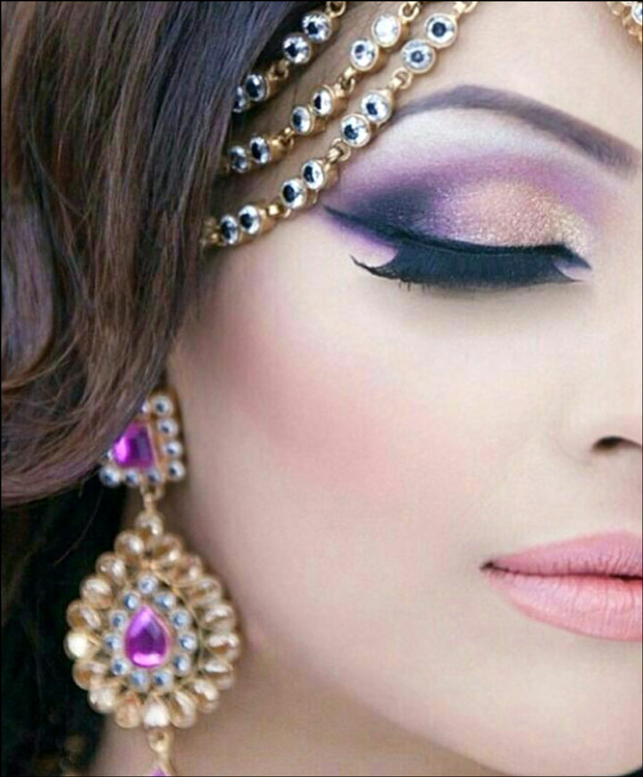 beautiful eye lashes and stone jewellery
