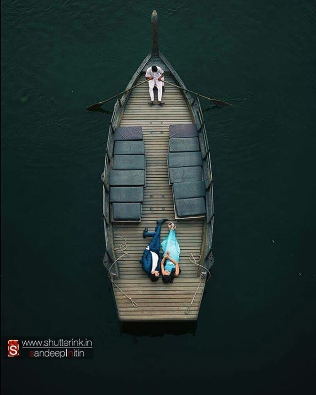 On Backwater Boats Fabulous Pre-Wedding Shoot Ideas for Every Kind Of Couple!