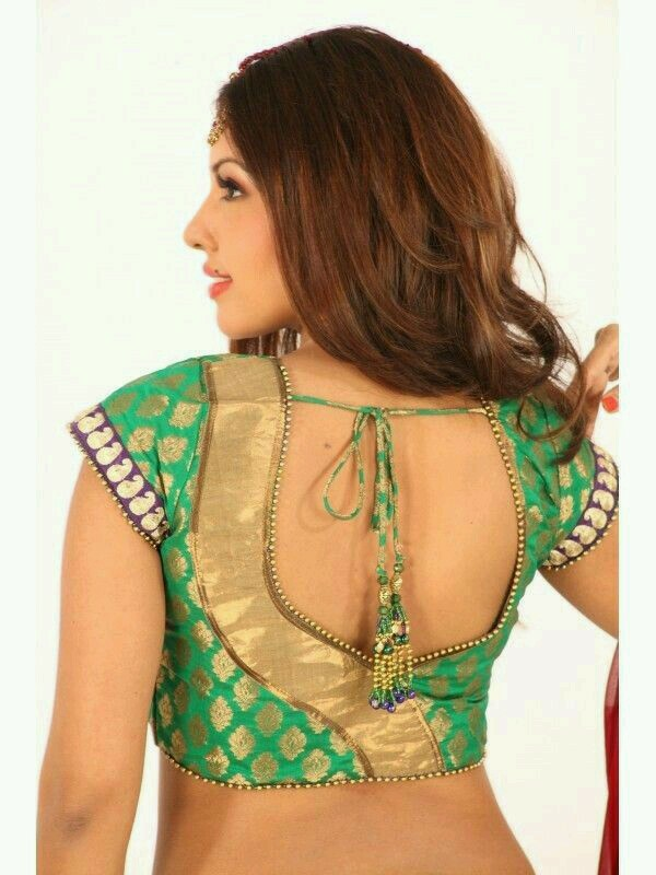 Printed blouse design: Best Types Of Blouse Designs Patterns For Every Woman