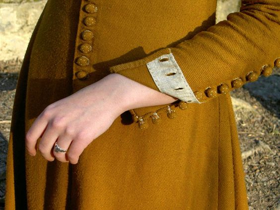 buttoned full sleeves