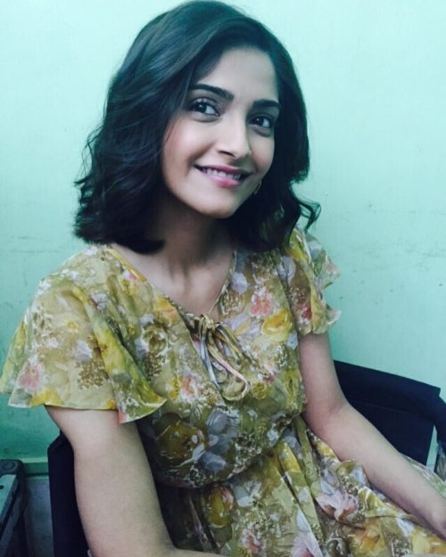 SHOULDER LENGTH BOB CUT Sonam Kapoor Hairstyles For Your Perfect Look