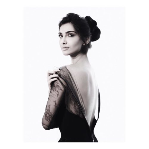 SIMPLE UPDO Sonam Kapoor Hairstyles For Your Perfect Look
