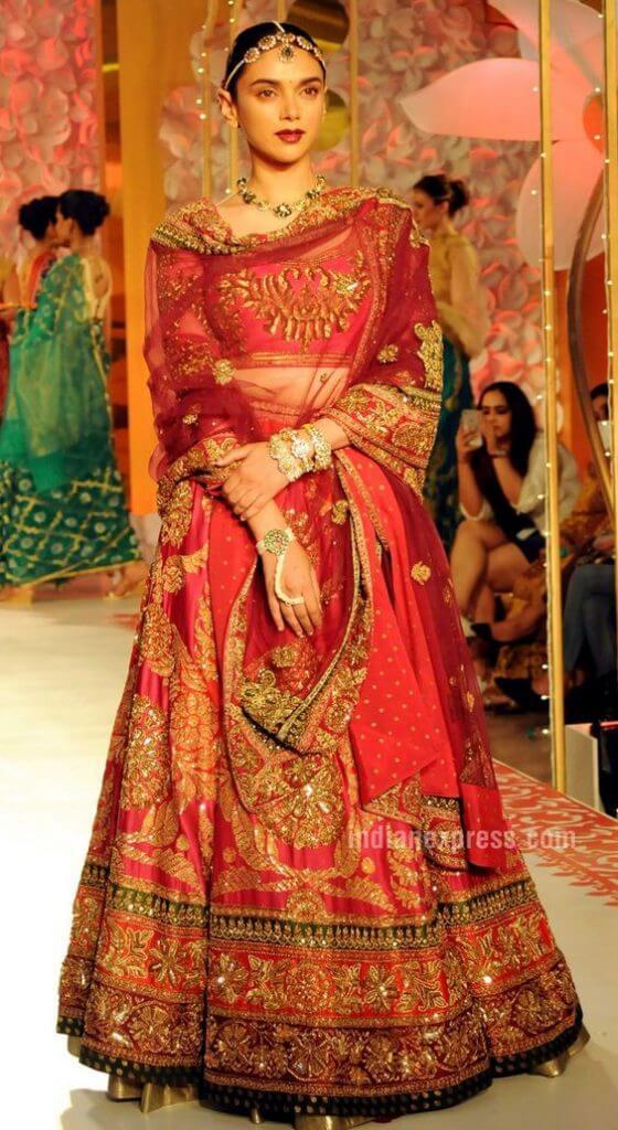 TRADITIONAL VINTAGE STYLE Stylish Lehenga Choli For Wedding 2020