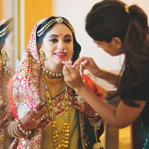 MAKEUP ACCORDING TO THE  THEMEPre-Wedding Beauty & Fashion Tips For Indian Brides-To-Be
