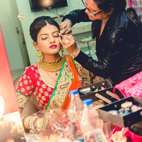 GEL FOUNDATION -Fashion Tips For Indian Brides Pre-Wedding Beauty & Fashion Tips For Indian Brides-To-Be