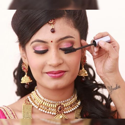 AVOID CLUMPS IN MASCARA Pre-Wedding Beauty & Fashion Tips For Indian Brides-To-Be