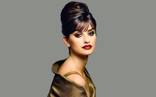 PENELOPE CRUZ HAIR BUN  STYLE Lovely & Easy Hair Bun Styles Long Hair Inspired From Celebrities