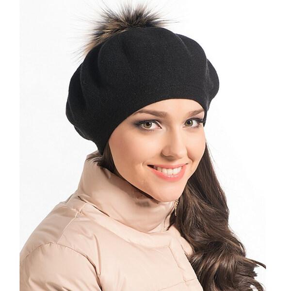 How to wear women's black beret with fur pompom in winter season