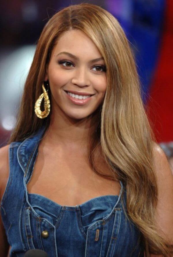 Beyonce long wavy & layered locks Beyonce's Hairstyles