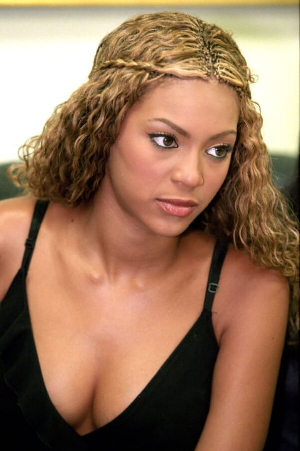 Beyonce's complete curly haircut & hairstyles Beyonce's Hairstyles, Hair Cuts & Colors