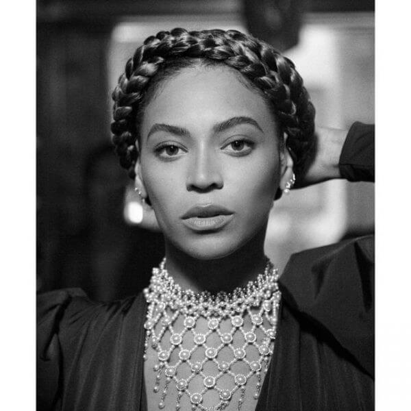 Beyonce's Hairstyles perfect halo braid Beyonce's Hairstyles, Hair Cuts & Colors
