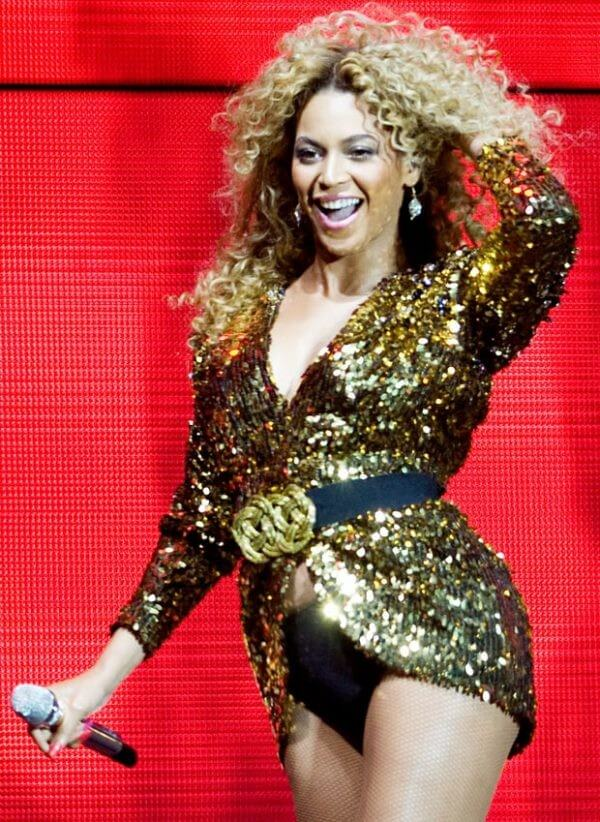 Beyonce curly haircut & hairstyle Beyonce's Hairstyles, Hair Cuts & Colors