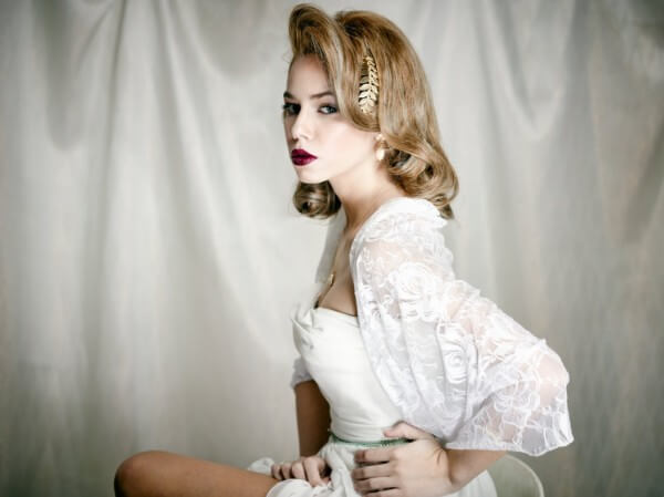 Hollywood Curls -Luxury and Elegance Trending Bridal Hairstyles For Long & Short Hairs