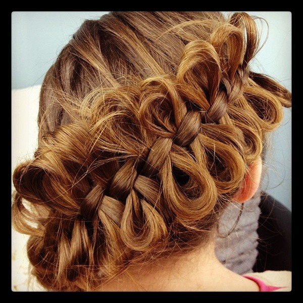 Look At The Infinity You can get an incredible hairstyle by letting the strands out of your regular braids neatly!