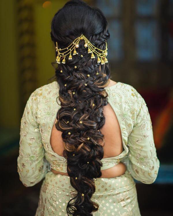 Voluminous braided hairstyle
