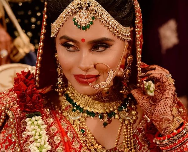 Indian bridal red makeup look: Indian Bridal Makeup for Traditional Look