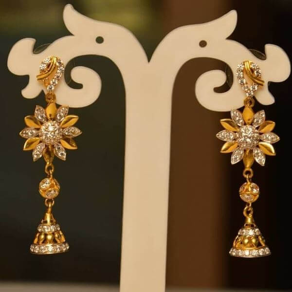 Floral gold earrings design