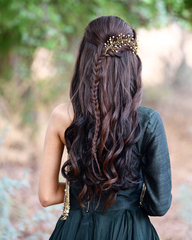 A leaf strand: Floral hairstyles for Haldi and Mehendi Ceremonies!a