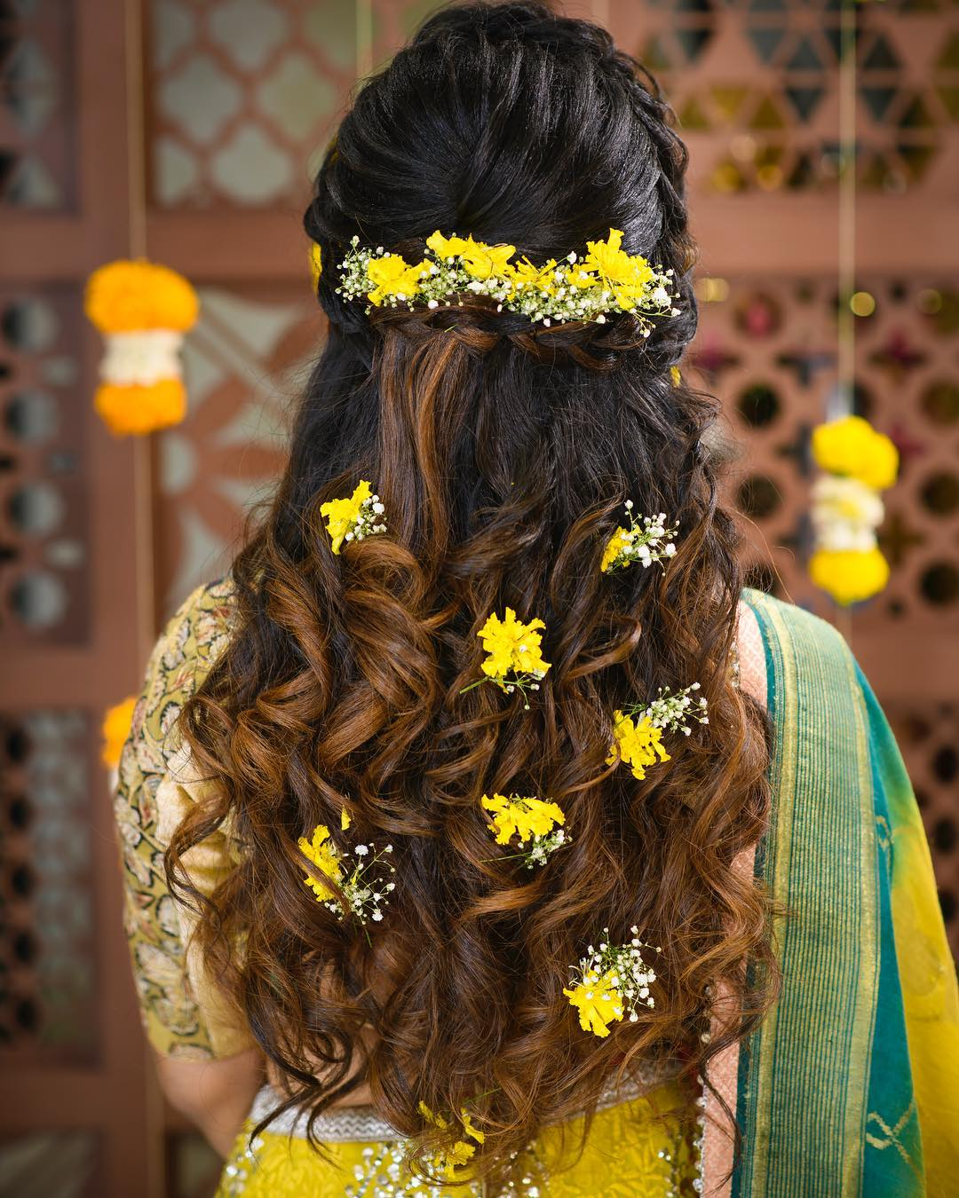Floral hairstyles for Haldi: Floral hairstyles for Haldi and Mehendi Ceremonies!a