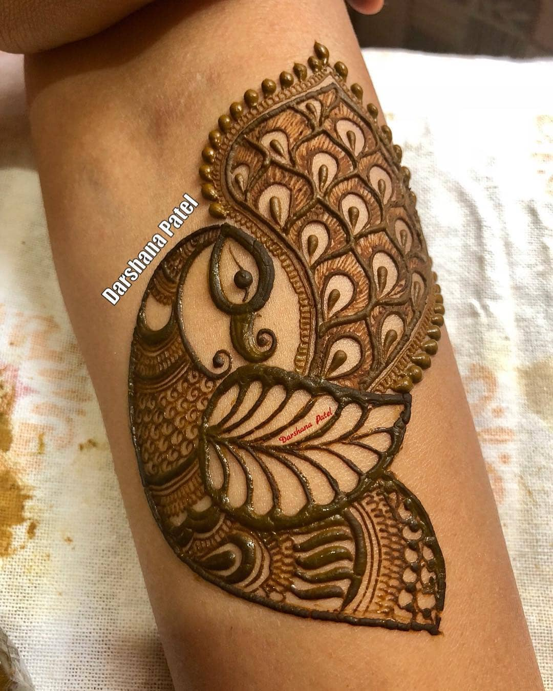 Dancing Peacock: Beautiful & Simple Mehndi Designs for Hand
