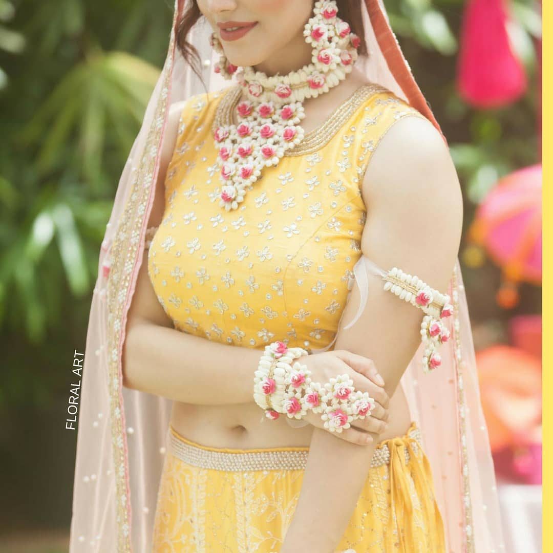 Floral art jewelry:  Haldi Ceremony Floral Jewellery for Your Wedding