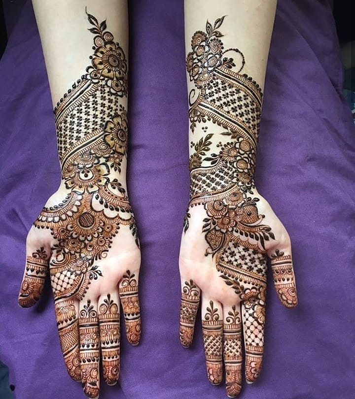 Multi patterened heavy design: Simple Mehendi Designs for Any Special Occasion
