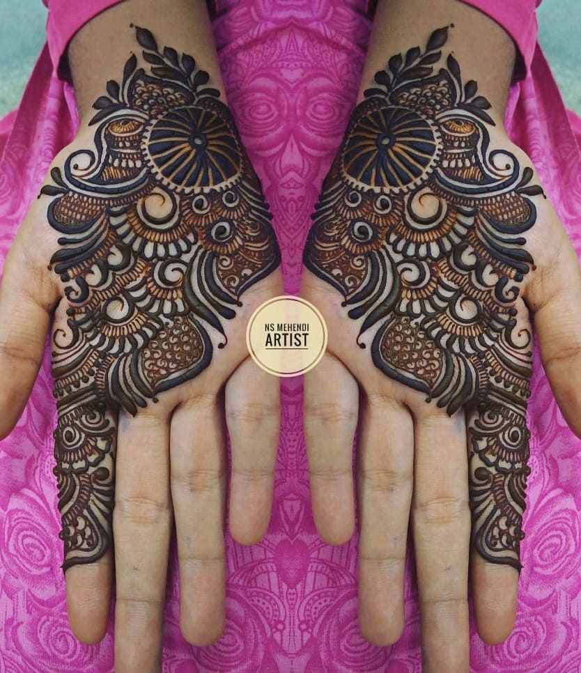 Heavy strip design: Beautiful & Simple Mehndi Designs for Hand