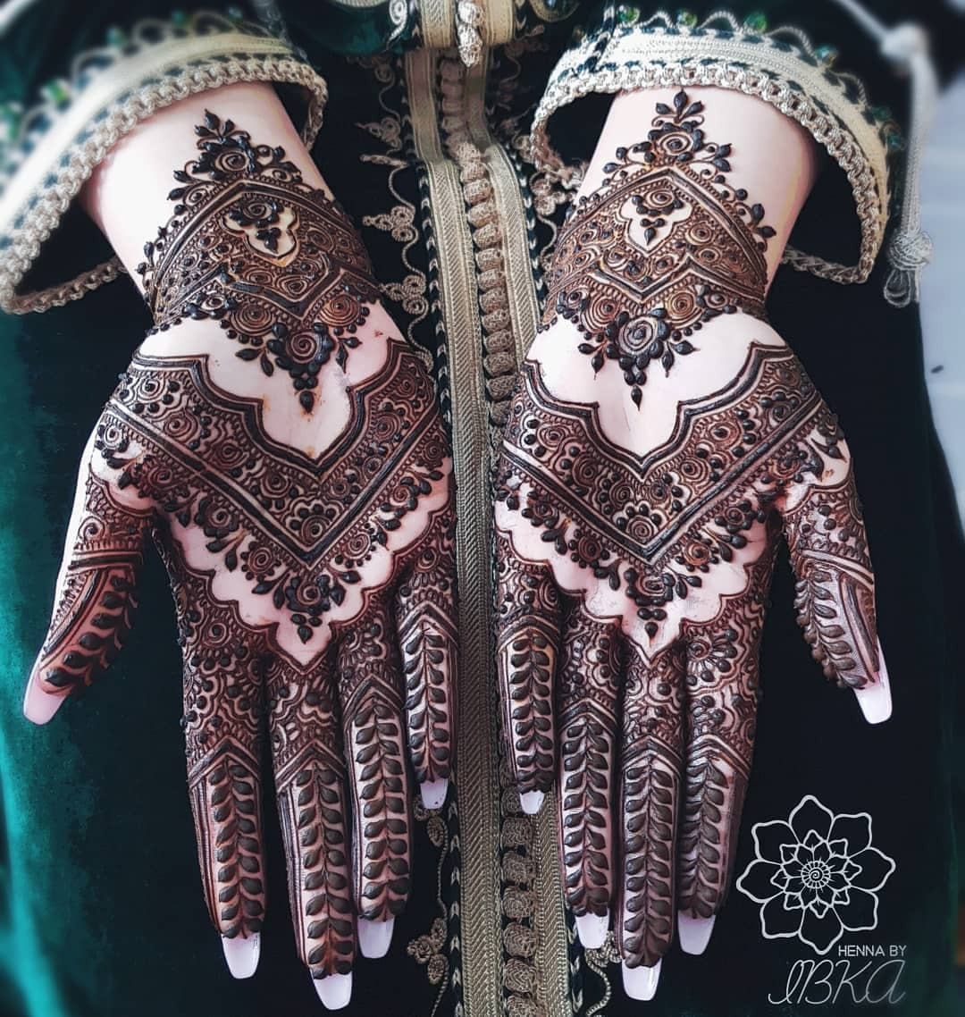 Intricately Woven: Beautiful & Simple Mehndi Designs for Hand