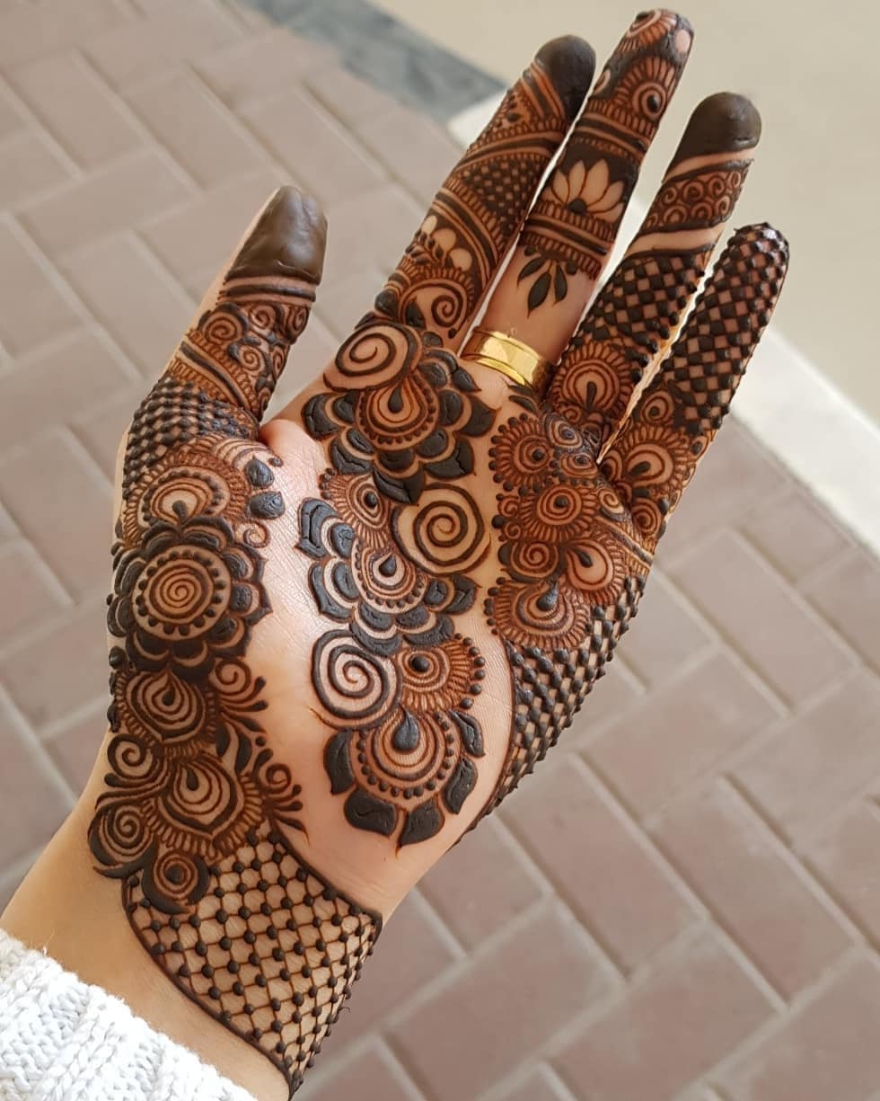 Multiple Patterns: Beautiful & Simple Mehndi Designs for Hand
