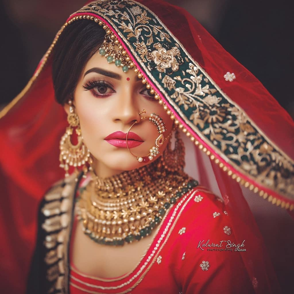 """Pink lips and Ever""""Green"""": Indian Makeup and Jewelry Ideas Inspired from Real Brides"""