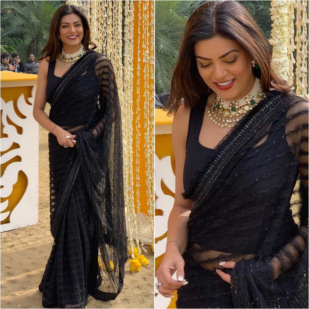 Hot Looks Of Bollywood Actresses In Sarees K4 Fashion