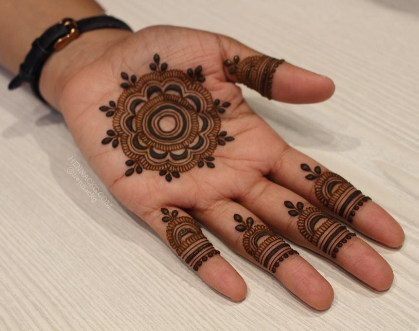 Floral mandala arabic new simple mehndi designs for hands