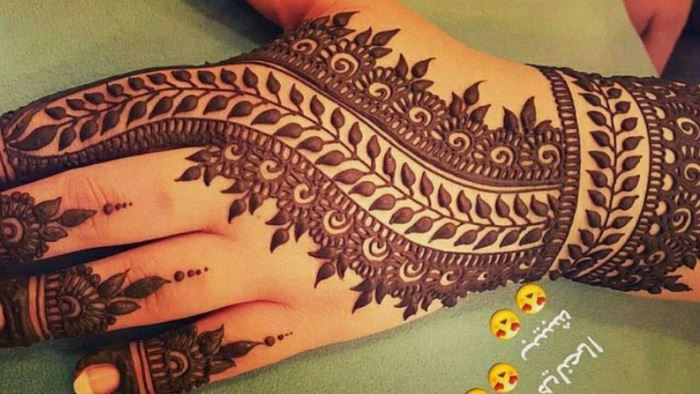 Stunning and beautiful mehendi design