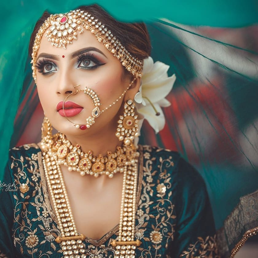 The golden glow: Indian Makeup and Jewelry Ideas Inspired from Real Brides
