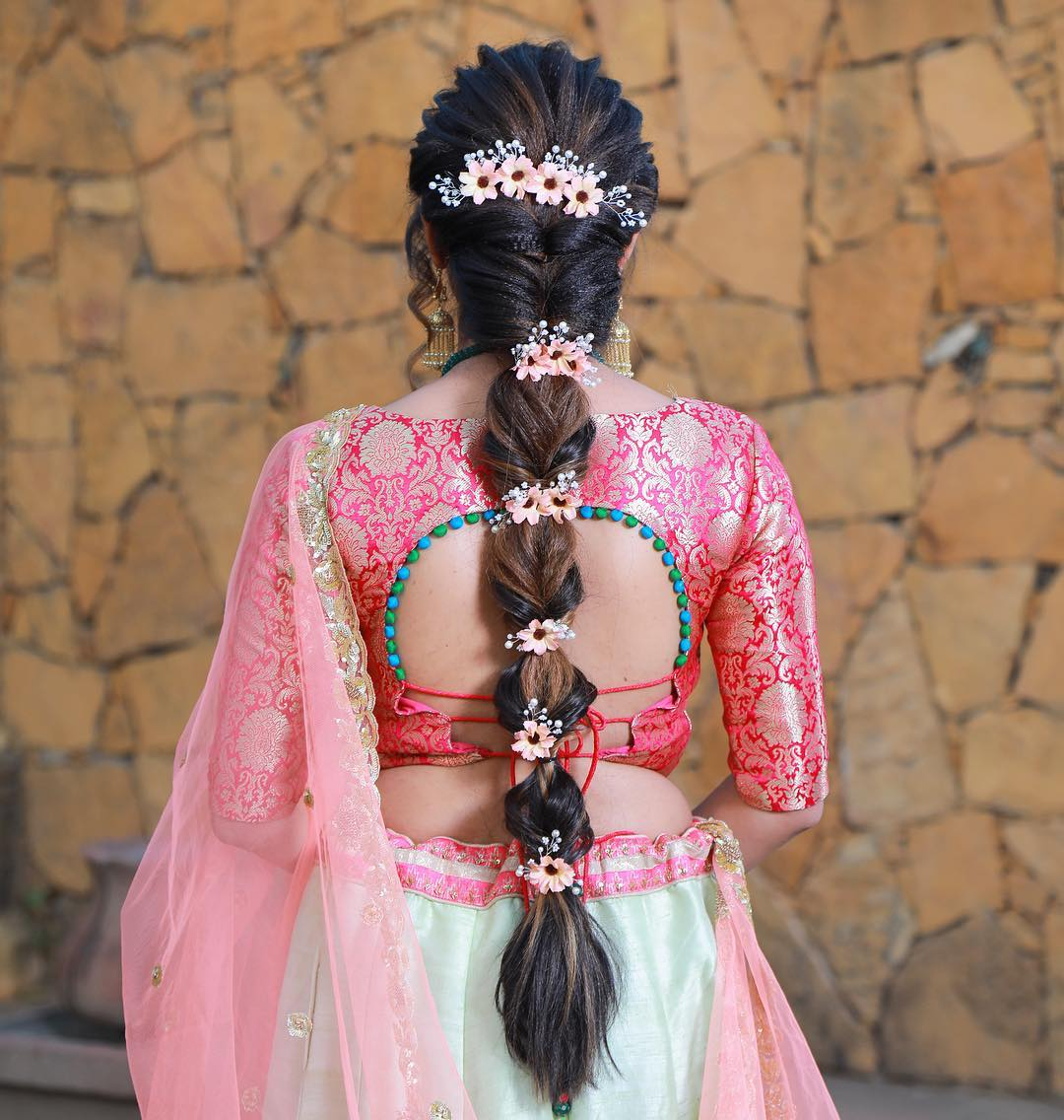 This amazing hair for sangeet look Makeover by aayushi makeup - K4 Fashion