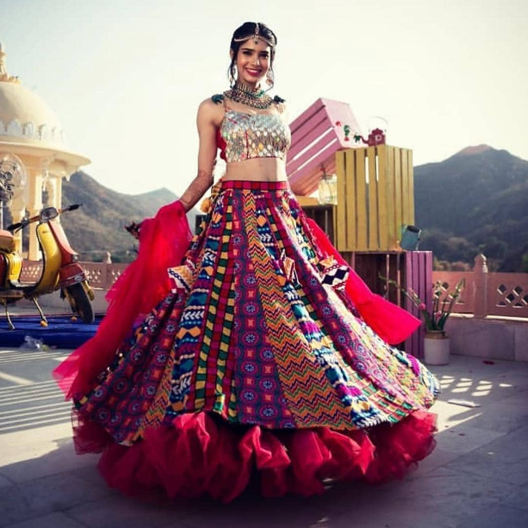 A hint of red: Light Lehenga Designs for Bride & Bridesmaid