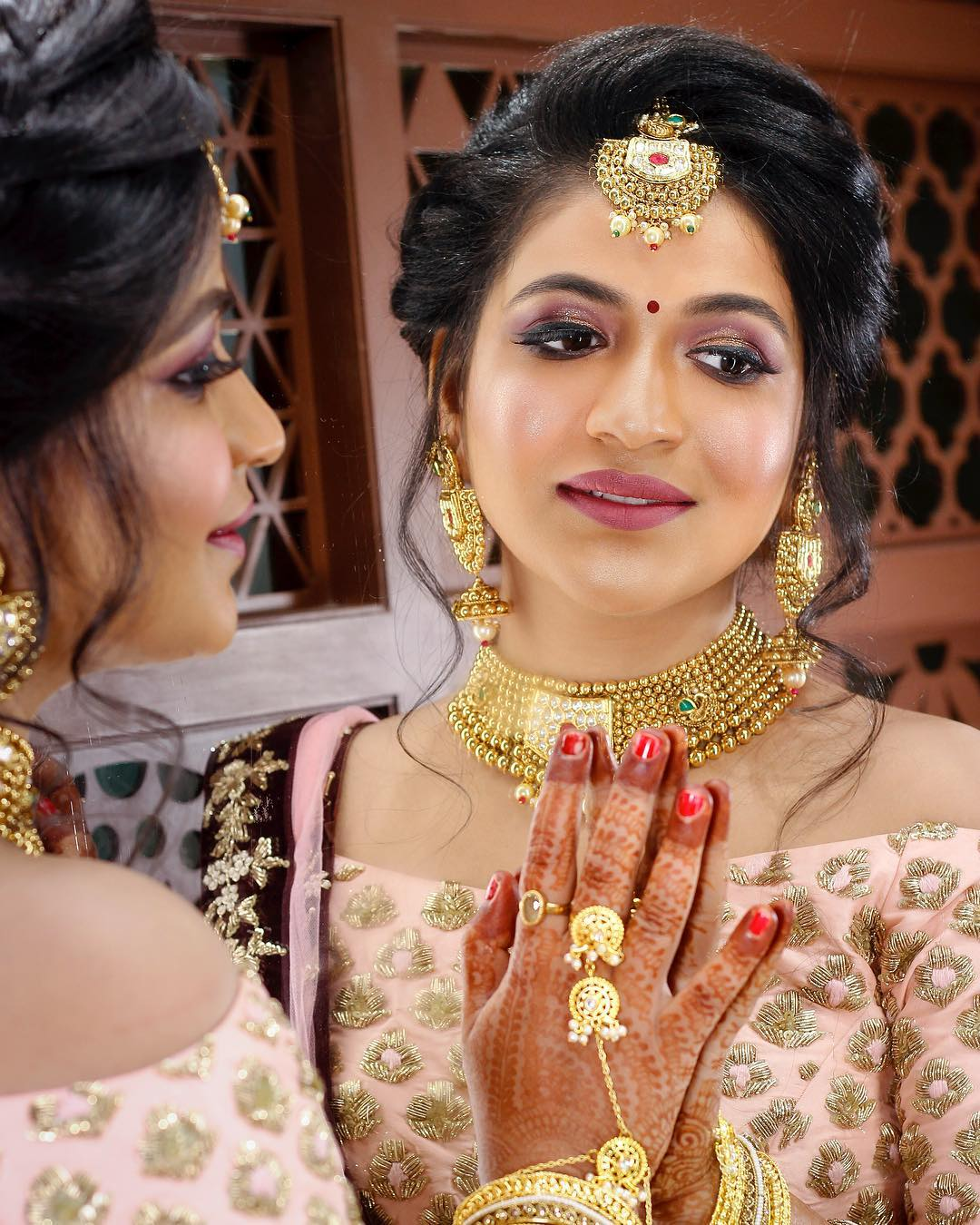 Soft and subtle: Indian Bridal Makeup Look in Celeb Style