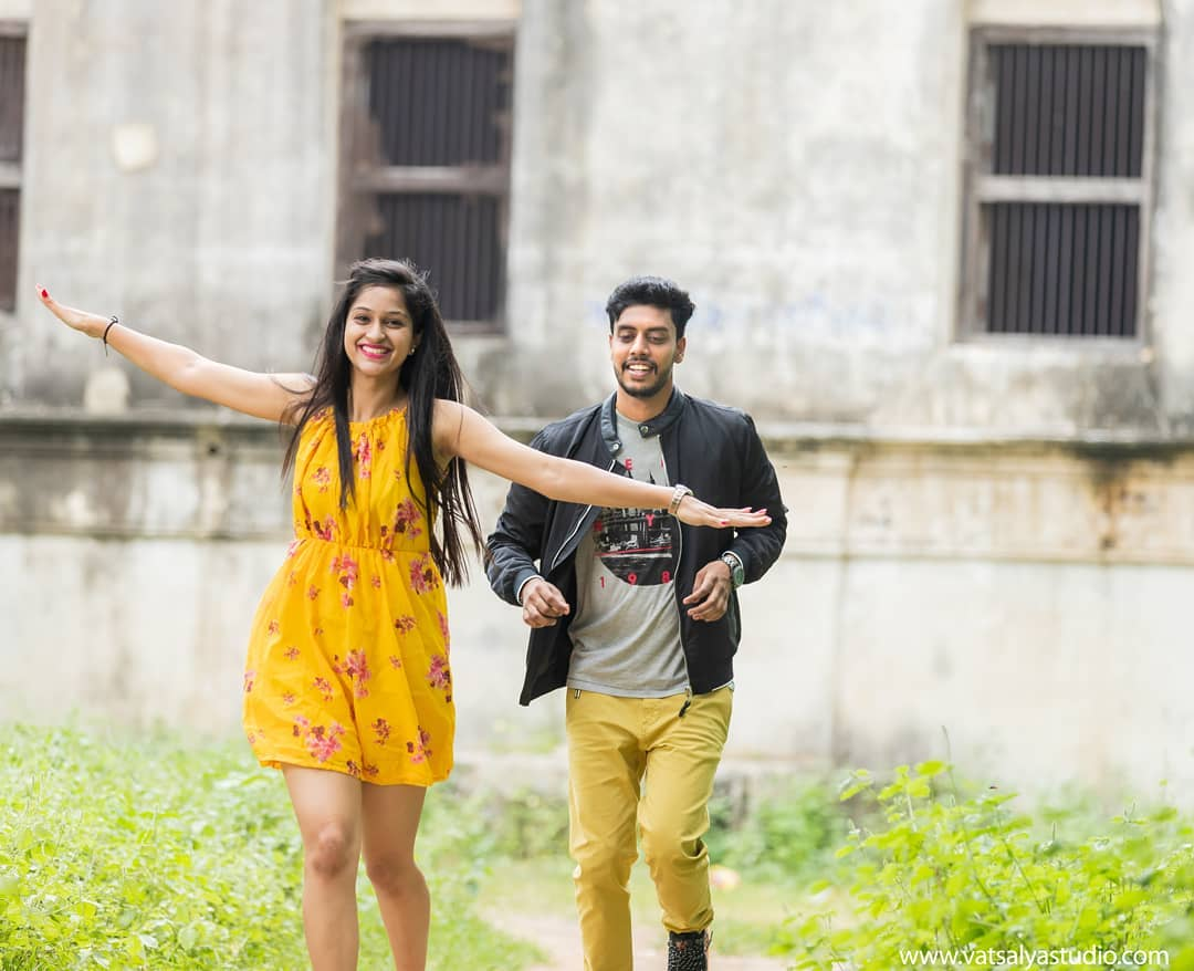 Catch me if you can: Pre-wedding Photoshoot for Indian Couples