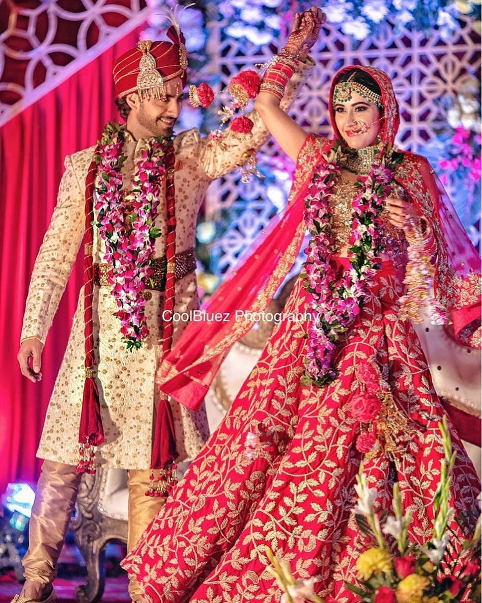 Its all about the prints: Bride and Groom Wedding Dress Colour Combinations