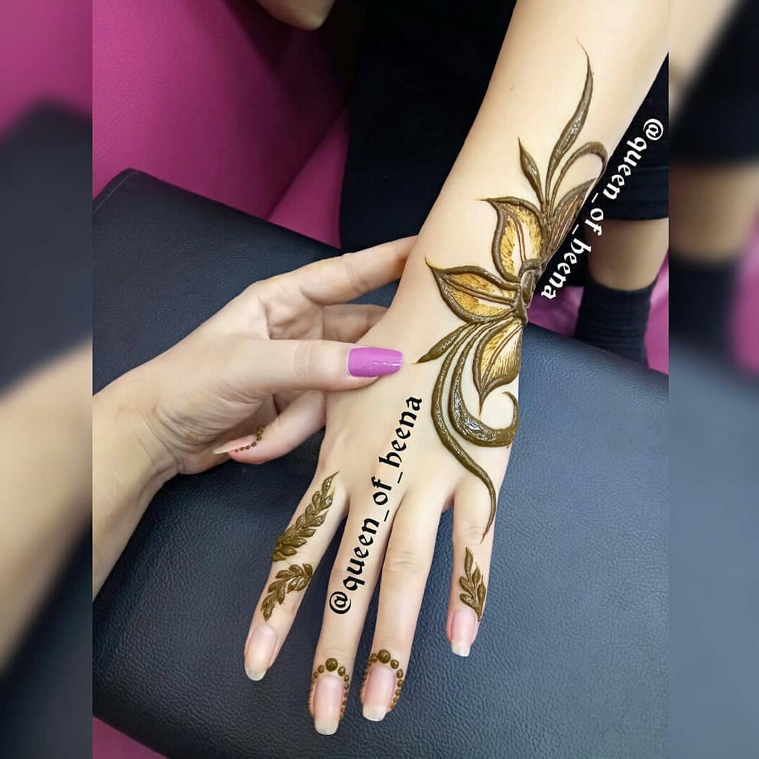 . Simple and Pretty: Simple Mehendi Designs for Any Special Occasion