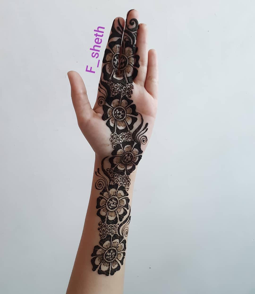Latest Arabic Mehndi Design for Front Hand