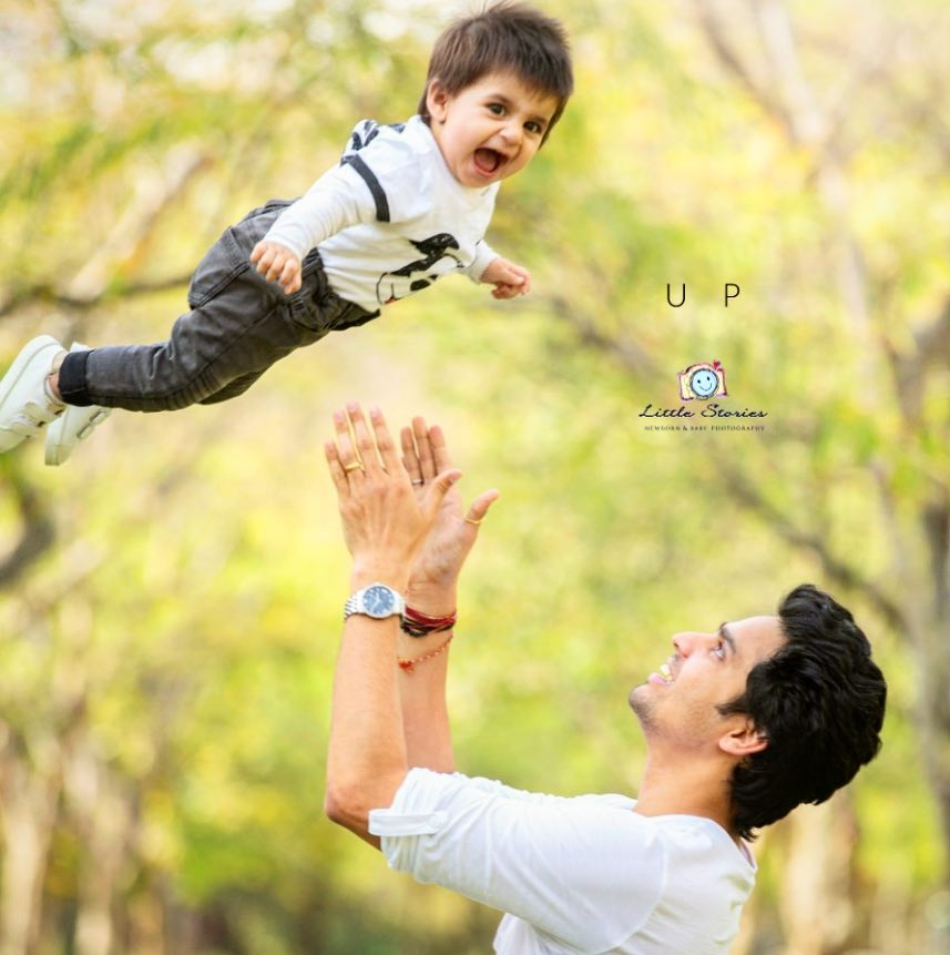 A great time with daddy: Child photography poses ideas for memorable photoshoot