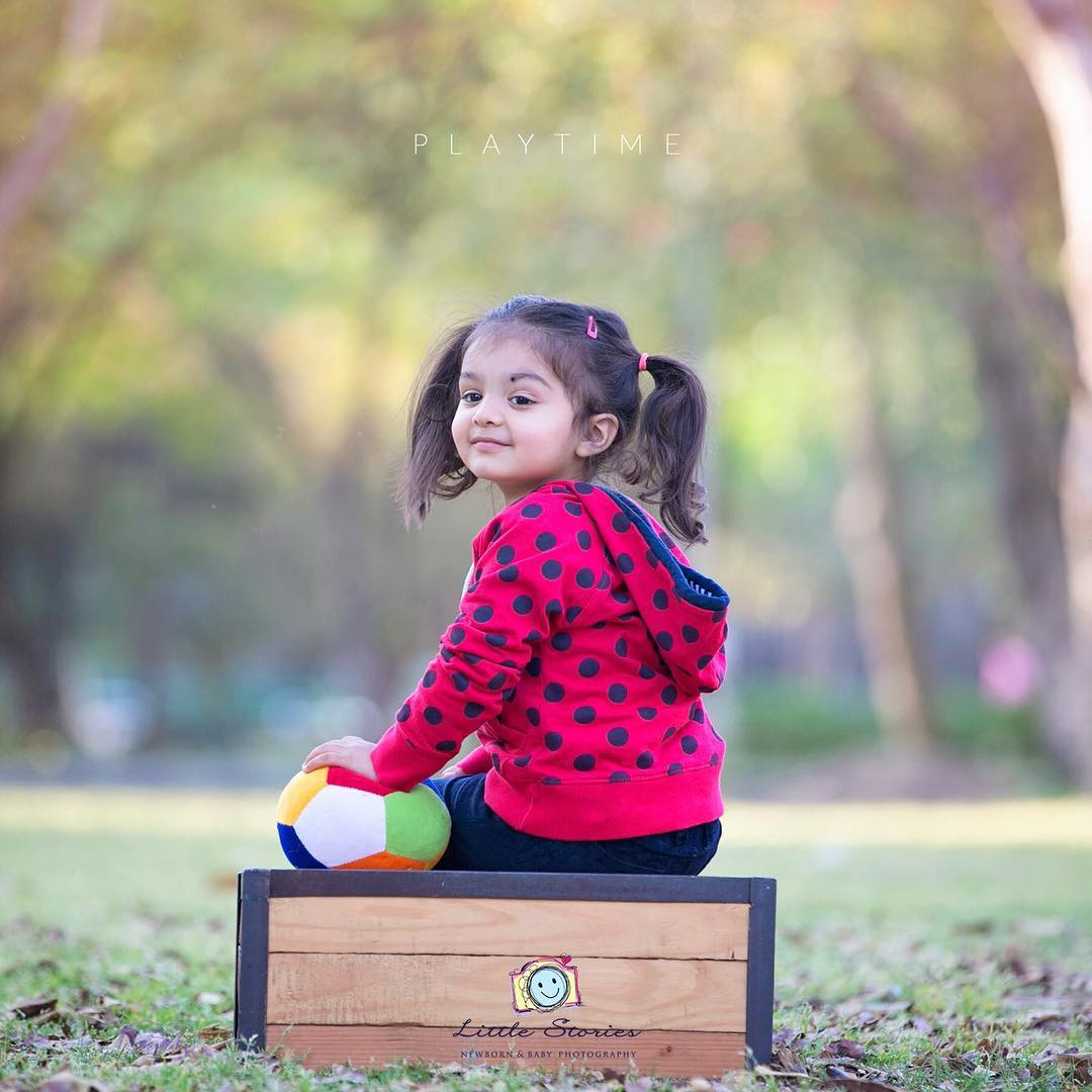 Let's play: Child photography poses ideas for memorable photoshoot