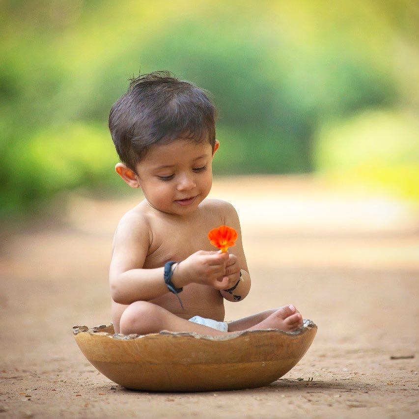 Natural beauty: Child photography poses ideas for memorable photoshoot