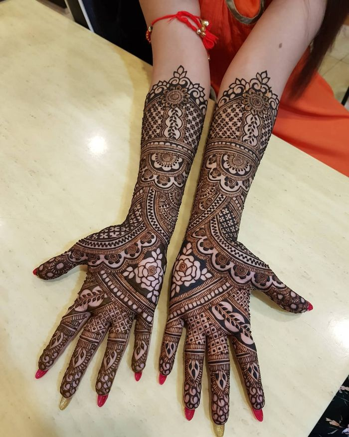Beautiful roses bridal mehndi design for hands Bridal Front Hand Mehndi Designs from Shainaaz Mehendi