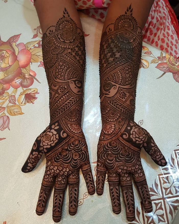 Beautiful dark foliage based bridal mehndi design for hands Bridal Front Hand Mehndi Designs from Shainaaz Mehendi