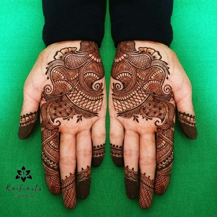 Modern and simplistic Bridal Mehndi designs for front hand