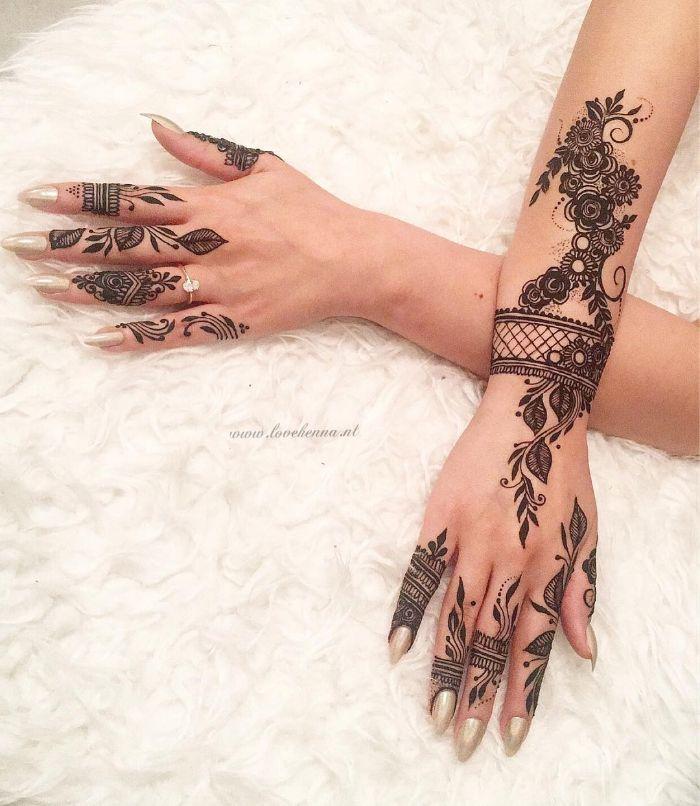 Beautiful fingermehndi designs for back hand for bride Mehndi Designs for Back Hand from Farah Saye