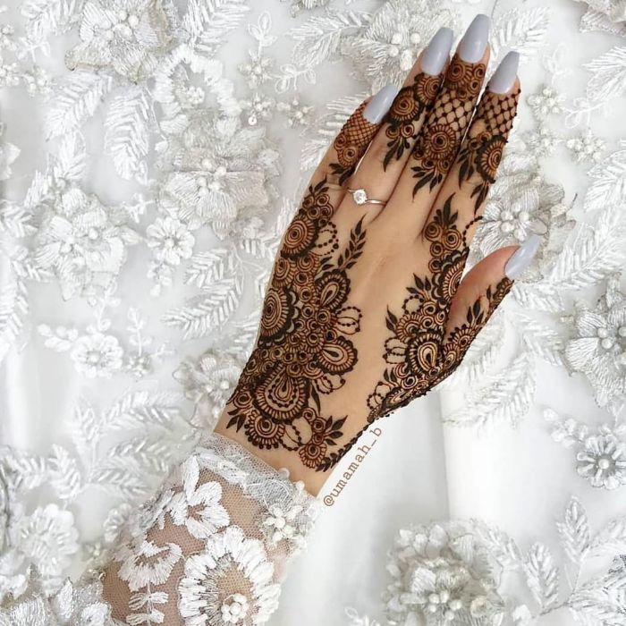 stylish mehndi designs for hands Stylish Back Hand Mehndi Designs from Umamah B