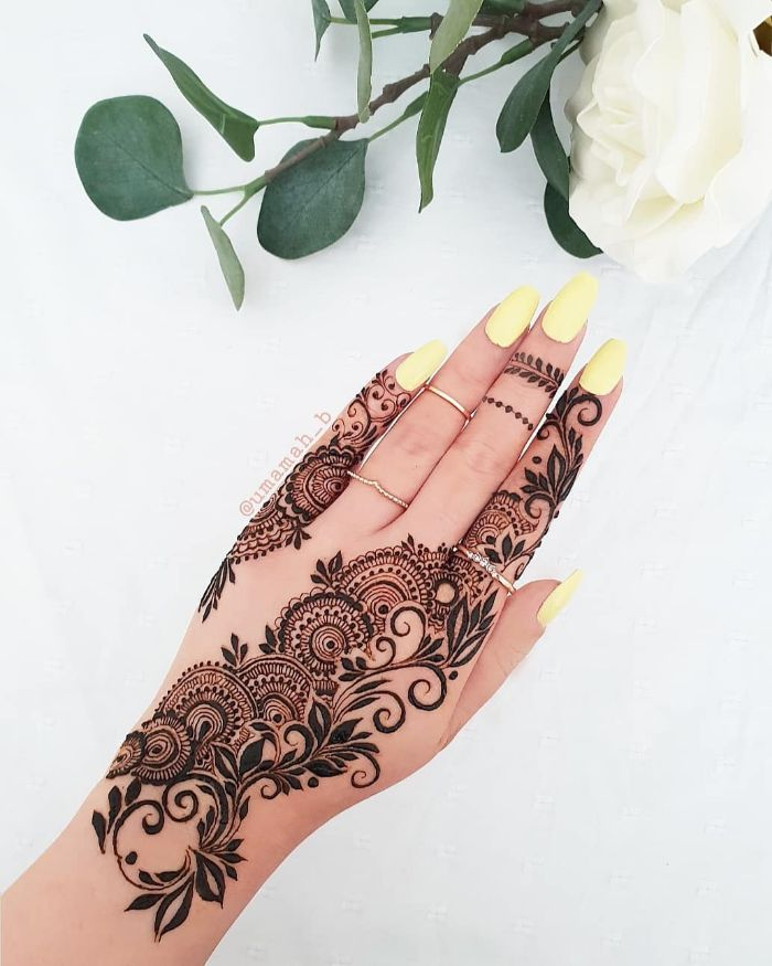 Beautiful and stylish mehndi designs for hands Stylish Back Hand Mehndi Designs from Umamah B